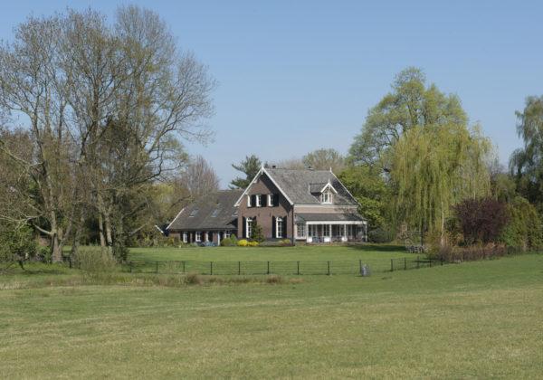Burg. Vrijlandweg 26 Hoog-Keppel T-boerderij