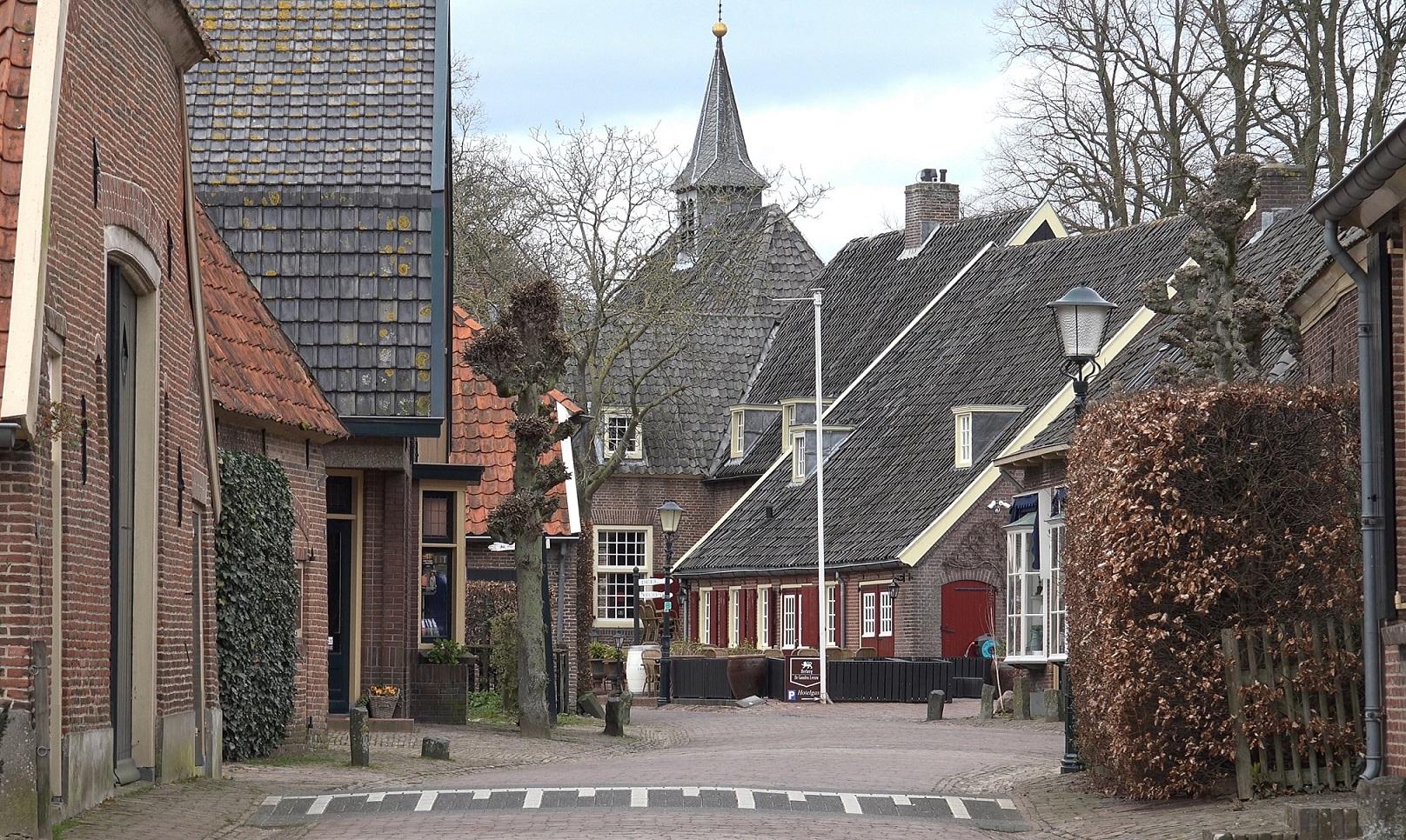 De Onderstraat naar de Kapel