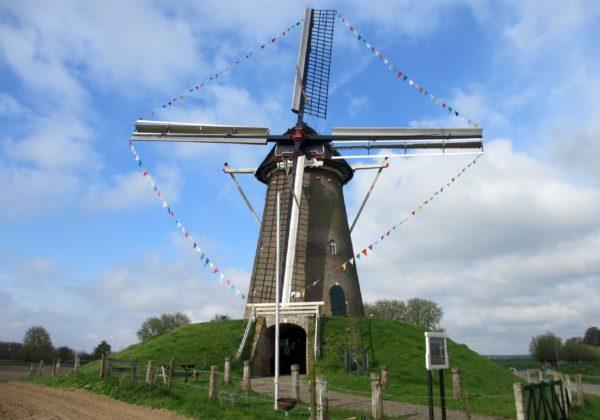 Spaensweertweg 1 Steenderen Bronkhorster molen (W.Knaake)