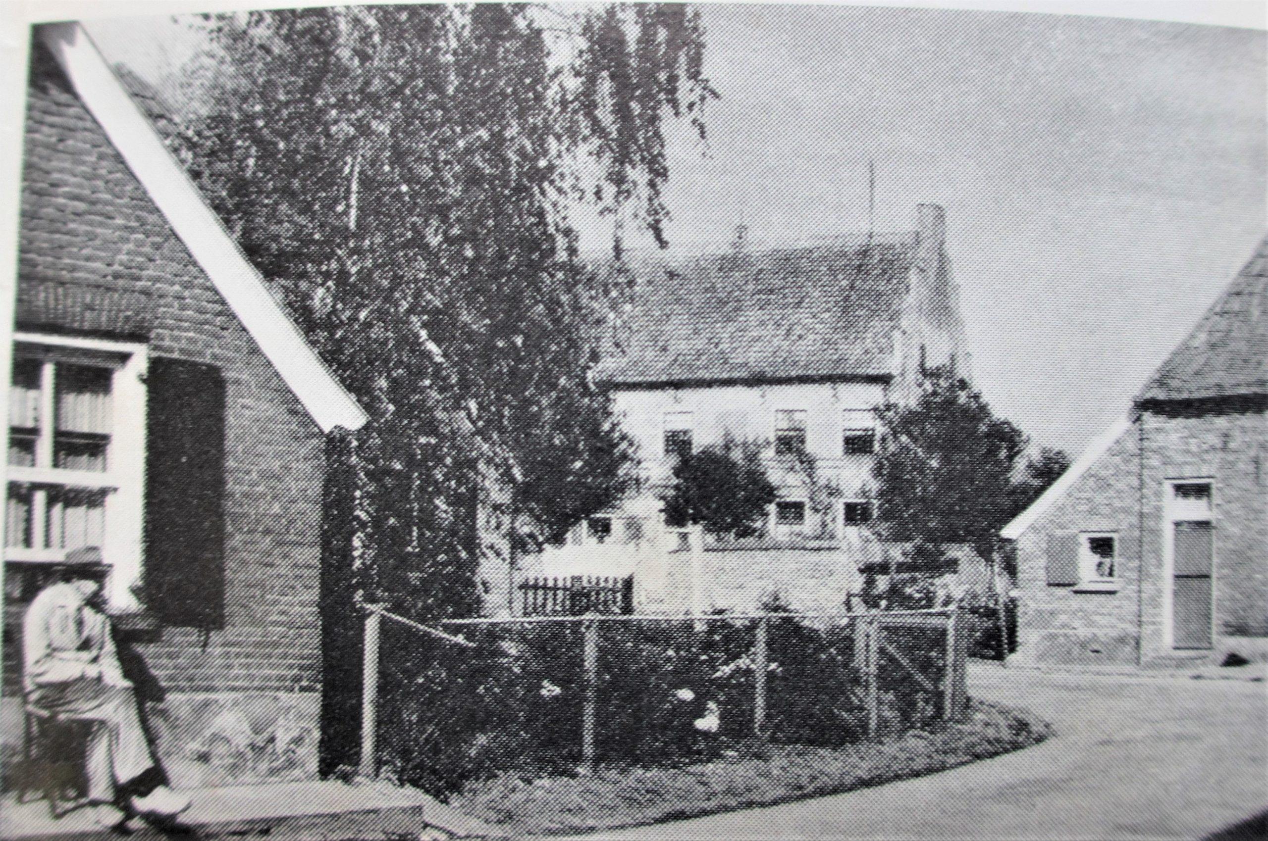 Bronkhorst Bovenstraat 1 Woonhuis met schuur