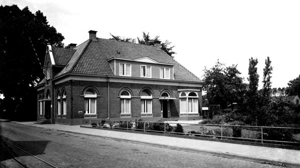 Hengelo Raadhuisstraat voormalig gemeentehuis