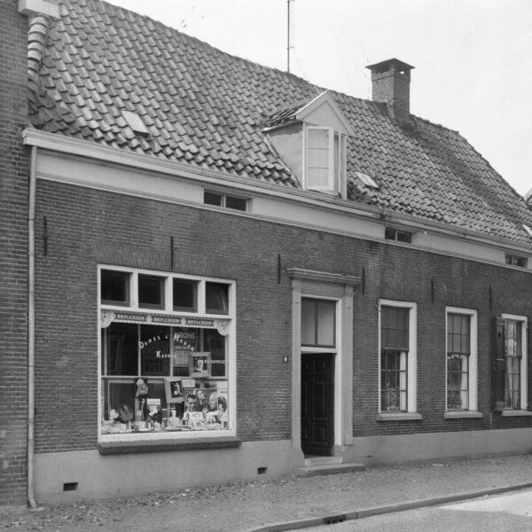 Hummelo Dorpsstraat 16 en 18 Dwarshuis