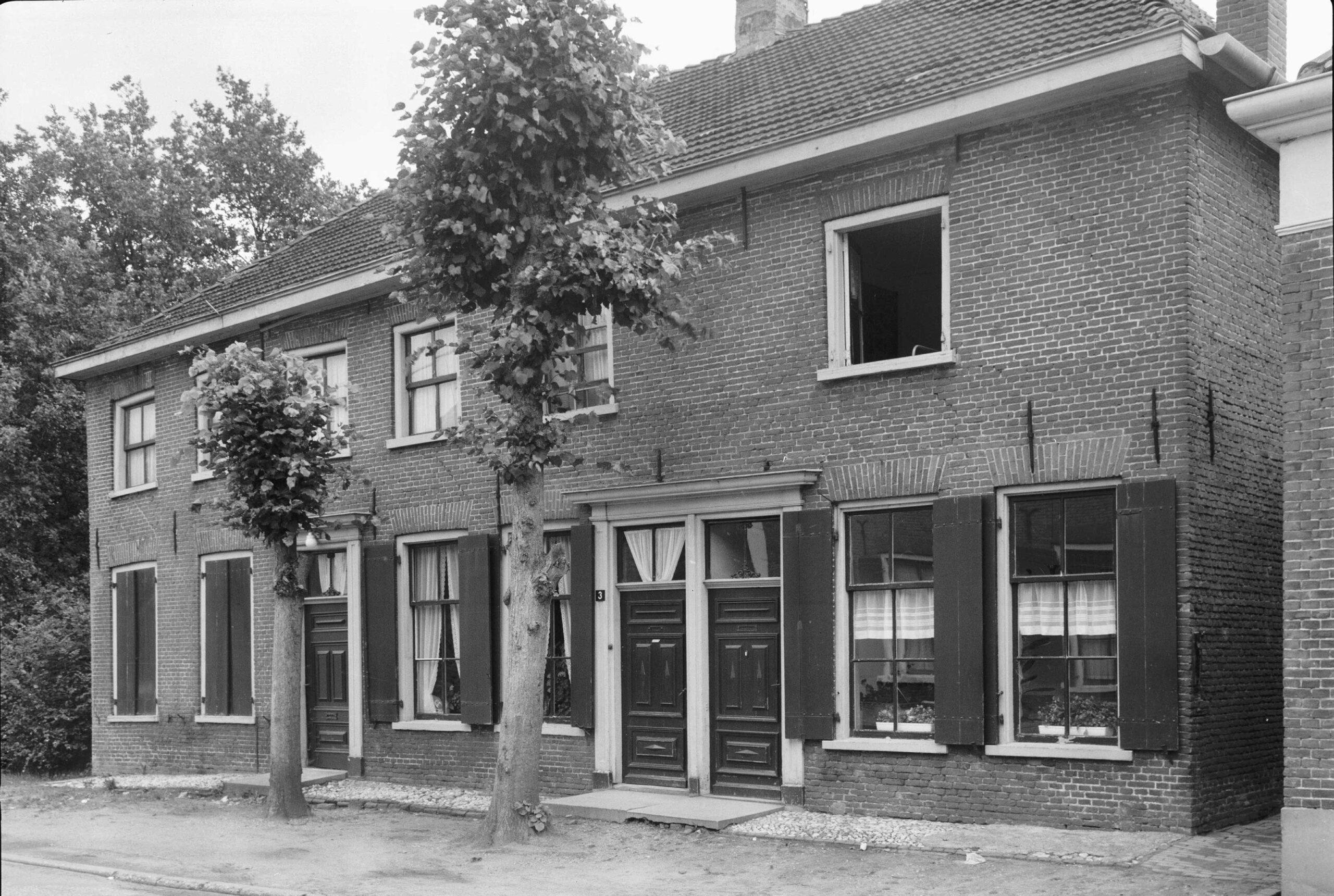 Laag-Keppel Dorpsstraat 1 3 5 Dwarshuis