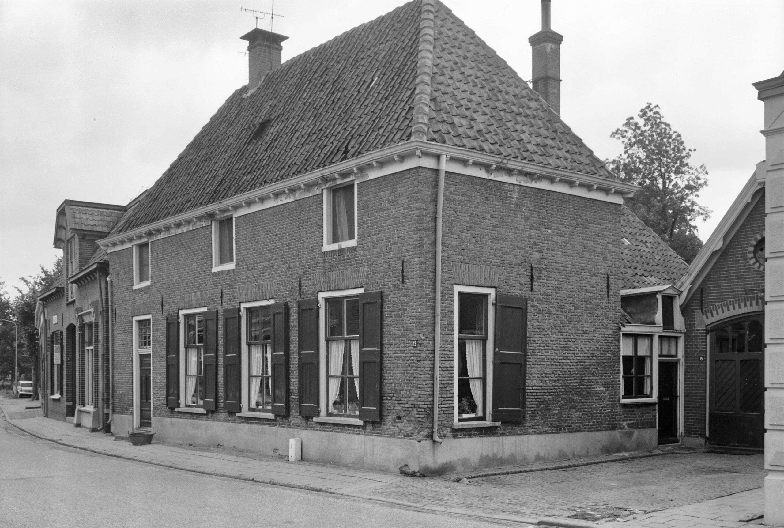 Laag-Keppel Dorpsstraat 11 Dwarshuis