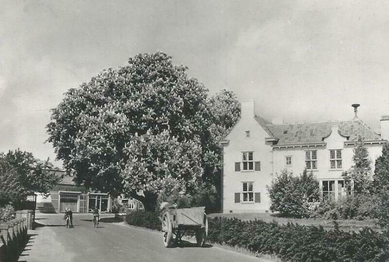 Steenderen Burgemeester Smitstraat 2 voormalig Gemeentehuis