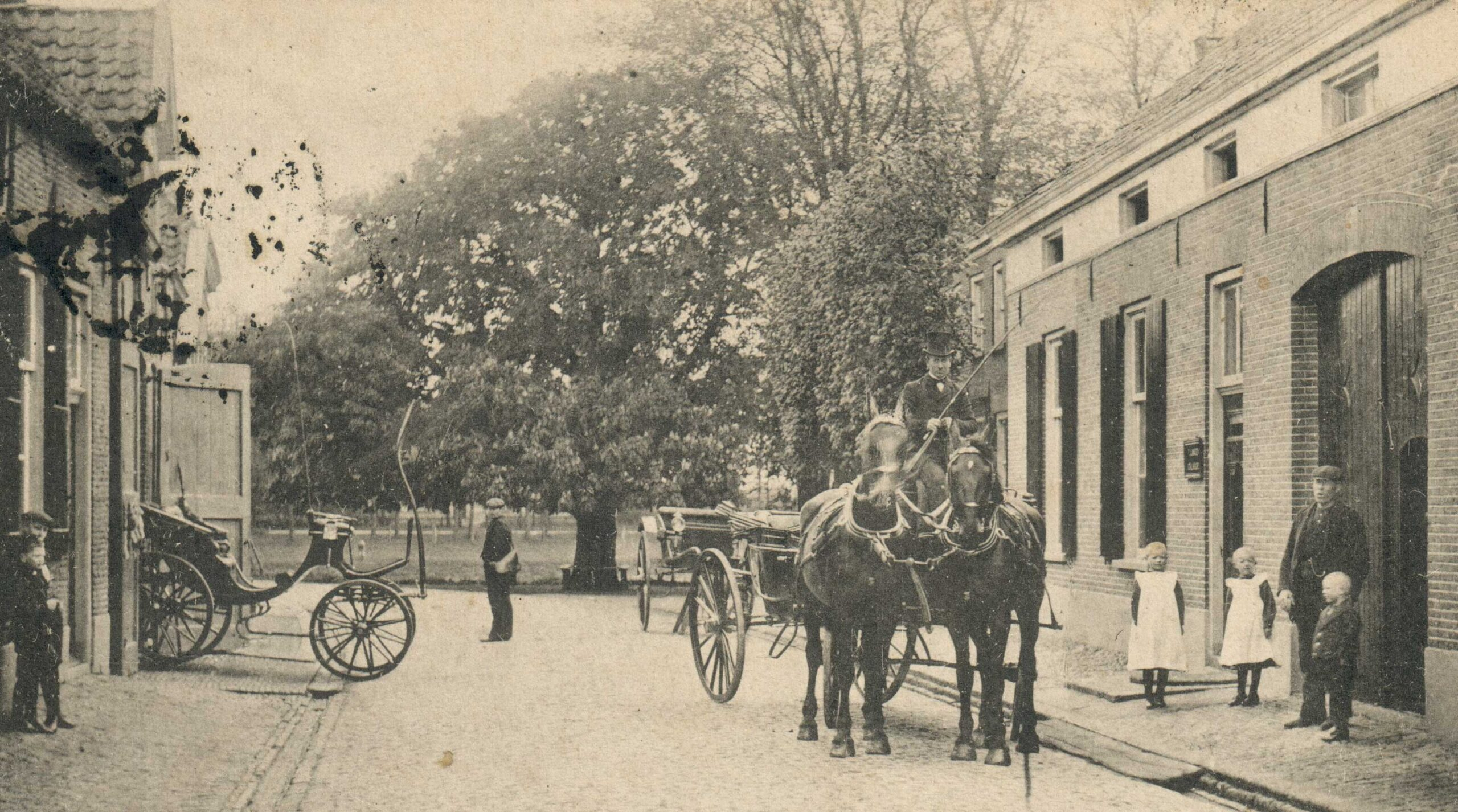 Laag-Keppel Dorpsstraat 7 Dwarshuis voorheen boerderij