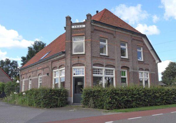Vierakker IJsselweg 13 Winkel Woonhuis Maalderij de Theetuin
